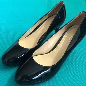 Euc Cole Haan 8 patent black heels